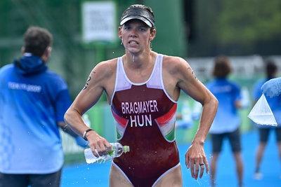 Így ért be a célba a történelmi bravúrt elérő magyar triatlonos - videó