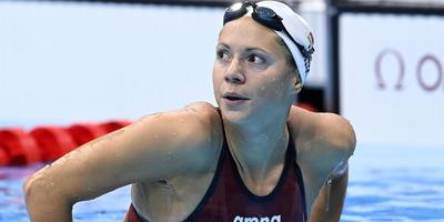 Kapás Boglárka nem fél a reggeli úszástól, Hosszú Katinka visszalépett, a váltót kizárták