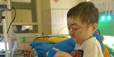 19 éve küzd az életéért a mindössze 15 kilós Farkas Ricsi: így ünnepelte születésnapját - Videó