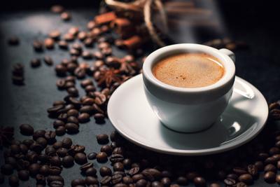 Koffeinfüggők figyelem! Ilyen súlyos károkat okozhat a szervezetben a kávé
