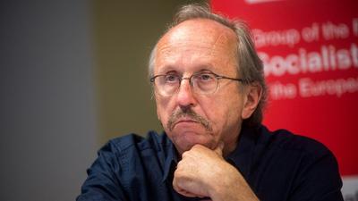 Niedermüller 484 ezer forintot kért cégeinek átvilágítási jelentéséért