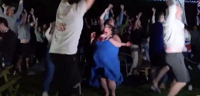 Így őrül meg a család, mikor olimpiai bajnok lesz a fiuk - videó