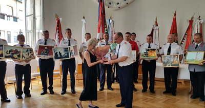 Kolozsvári Johanna több mint kétszáz képet festett a tűzoltóknak