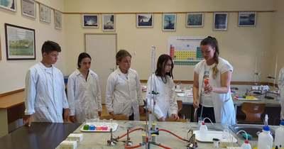 Ültetvényeken jártak, és labormunkát is végeztek a kecskeméti diákok