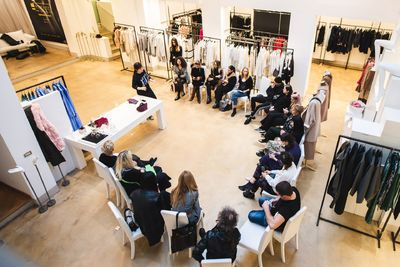 A fiatal tervezők fejlesztésétől kezdve a divatipari stratégia kidolgozásáig átfogó szakmai segítséget nyújt a Magyar Divat & Design Ügynökség