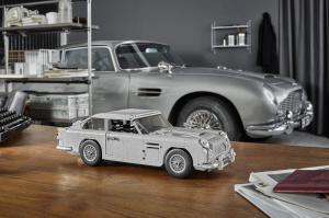 Működő katapultüléssel jön a James Bond LEGO autója