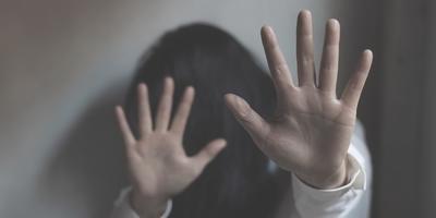 Többször megerőszakolta, majd megölte a lányát egy férfi - a halála előtt segítséget kért az anyjától, hiába