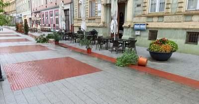 Virágcserepeket és székeket is felborít a vihar Nagykanizsán