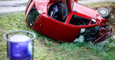 Árokba csapódott egy autó Csákvár és Oroszlány között