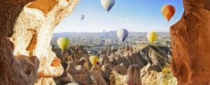 Léggömbökön libben a net a hegyek között