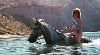 Egy lovon vonaglik a habokban Karácsony Gergely helyettese