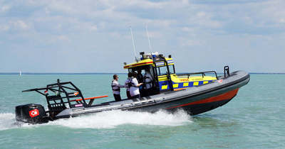 Két tizenéves fiú életét mentették meg ma délután – alig tudtak úszni, de viharjelzésben mentek a vízre