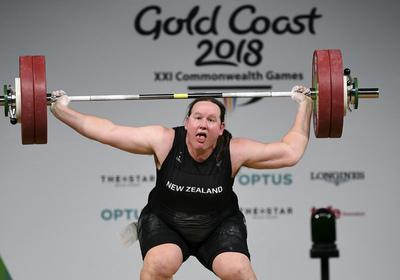 Egy férfi nyerhet női súlyemelésben - az olimpián is kitört az LMBTQ-őrület