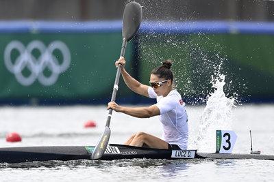 Sikeres kajak-kenu előfutamok, kiváló birkózások és vízilabda döntetlen - képeken az olimpia hétfő hajnali eseményei