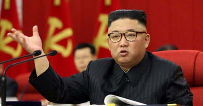 Ebből balhé lesz! Koronavírustól halt meg Kim Dzsong Un bizalmasa, a vezér tagadja a Covid–19 jelenlétét