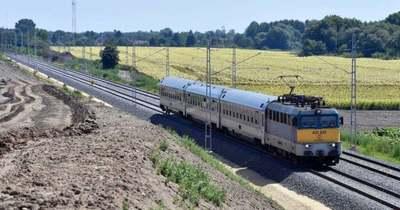 Helyreáll a menetrendszerű vonatközlekedés a Budapest-Újszász-Szolnok vonalon