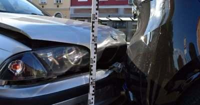 Két autó ütközött Zalaegerszegen, a Kazinczy téren