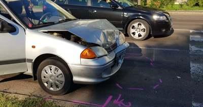 Két autó ütközött Egerben, a Mátyás király úton