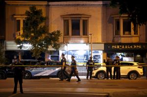 Ketten biztosan meghaltak egy torontói lövöldözésben
