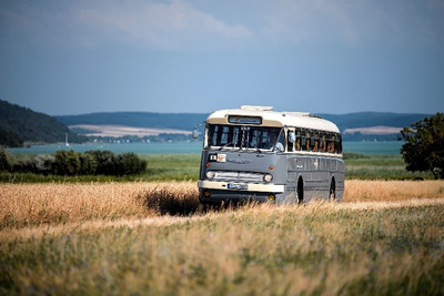 Ismét retró hangulatban utazhatunk a Balaton északi partján