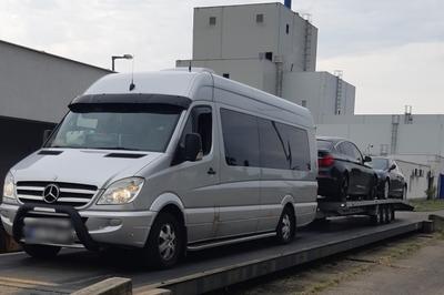 Luxusautókból álló román horrorkaravánt fogtak a rendőrök