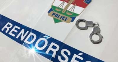 Keresi a rendőrség a sorompót letörő sofőrt