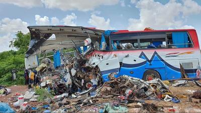 Munkásokat szállító teherautó ütközött autóbusszal, 41-en meghaltak Maliban