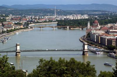 Fuldoklót mentett ki a Dunából az Országgyűlési Őrség egyik tagja