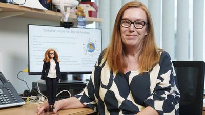 Barbie baba lesz a vakcinafejlesztő tudós alakjából