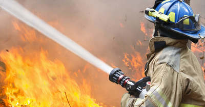 Lángok csaptak fel a lánycsóki ravatalozónál (fotó)