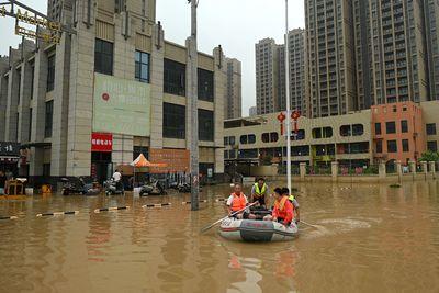 Napjaink pusztító árvizei még a Black Friday-t is veszélybe sodorhatják