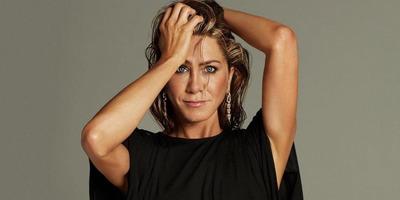Jennifer Aniston beterpesztett: formás lábait ezúttal bárki megcsodálhatja - Fotó