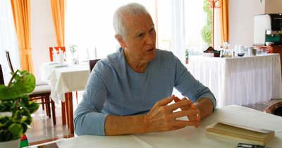 Izgalmas krimin át ismerteti meg hazáját az Amerikában élő magyar író