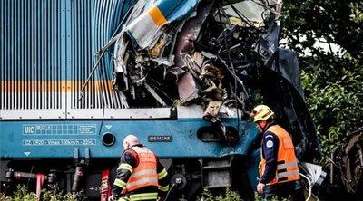 Négy mentőhelikoptert riasztottak: frontálisan ütközött két vonat, a mozdonyvezetők meghaltak - Sokkoló fotók