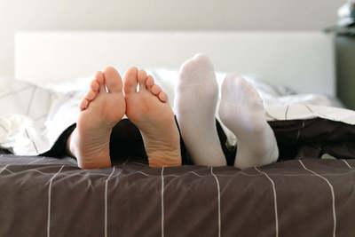 A tudomány igazolta a régi legendát: ez a női lábtrükk a csúcsorgazmus kulcsa