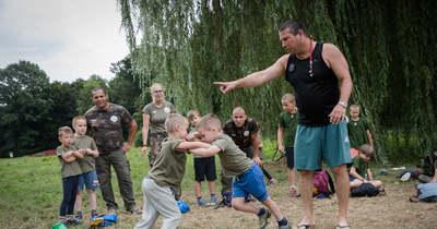 A természet szeretetére és csapatmunkára is tanítja a gyerekeket a zalaegerszegi túlélőtábor
