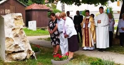 Bál, mise és megemlékezés Isztiméren, az Anna-napi búcsún