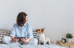 Ki mondja meg, hogy tarthatunk-e kutyát a társasházi lakásban?